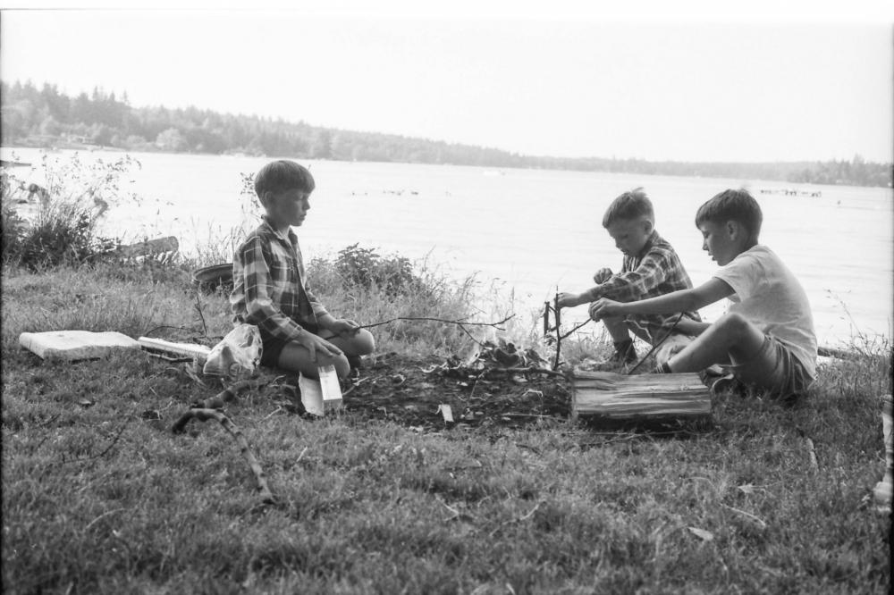 kids_campfire.jpg